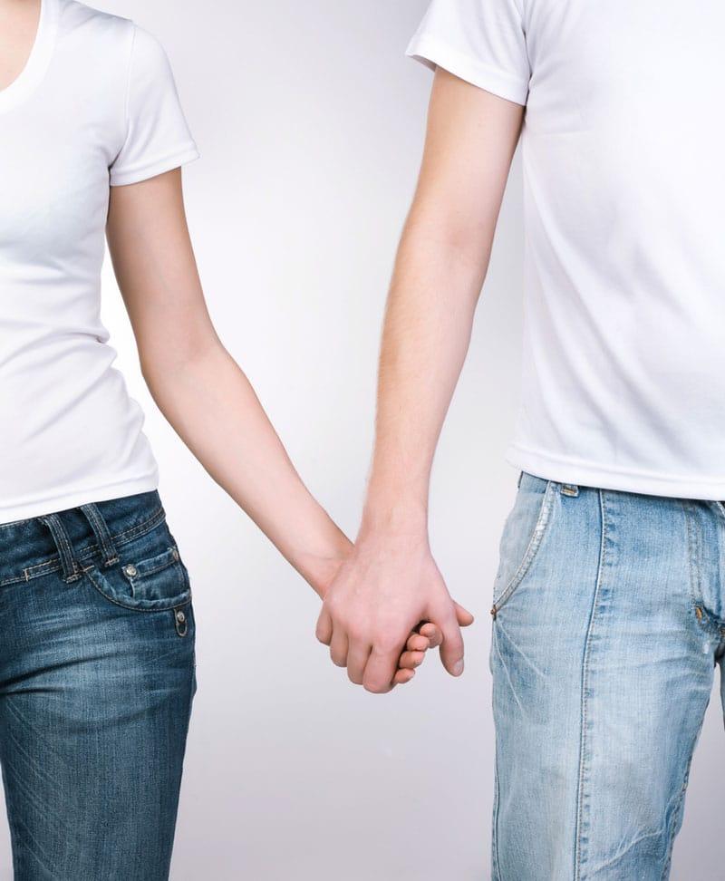 couple_hands-Sex. O φόβος της συναισθηµατικής εγγύτητας-naturanrg