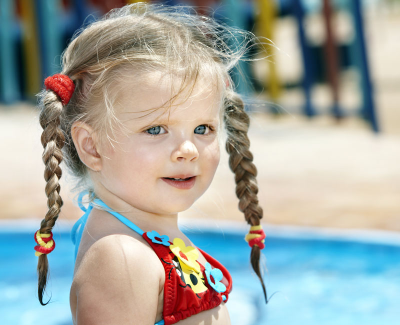 little girl, swim, summer, pool-naturanrg
