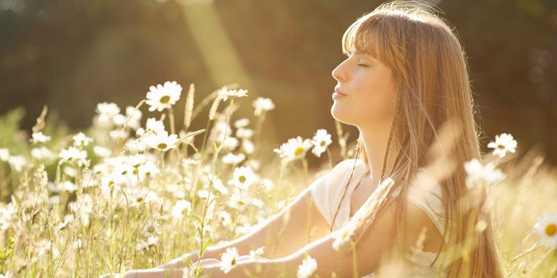 calm-woman-H αλφαβήτα της υγείας! Μάθε την απ' έξω και νιώσε ευεξία.
