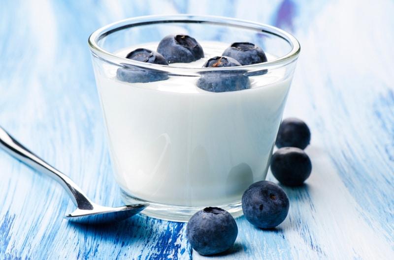 yogurt-blueberries-H αλφαβήτα της υγείας! Μάθε την απ' έξω και νιώσε ευεξία.-naturanrg