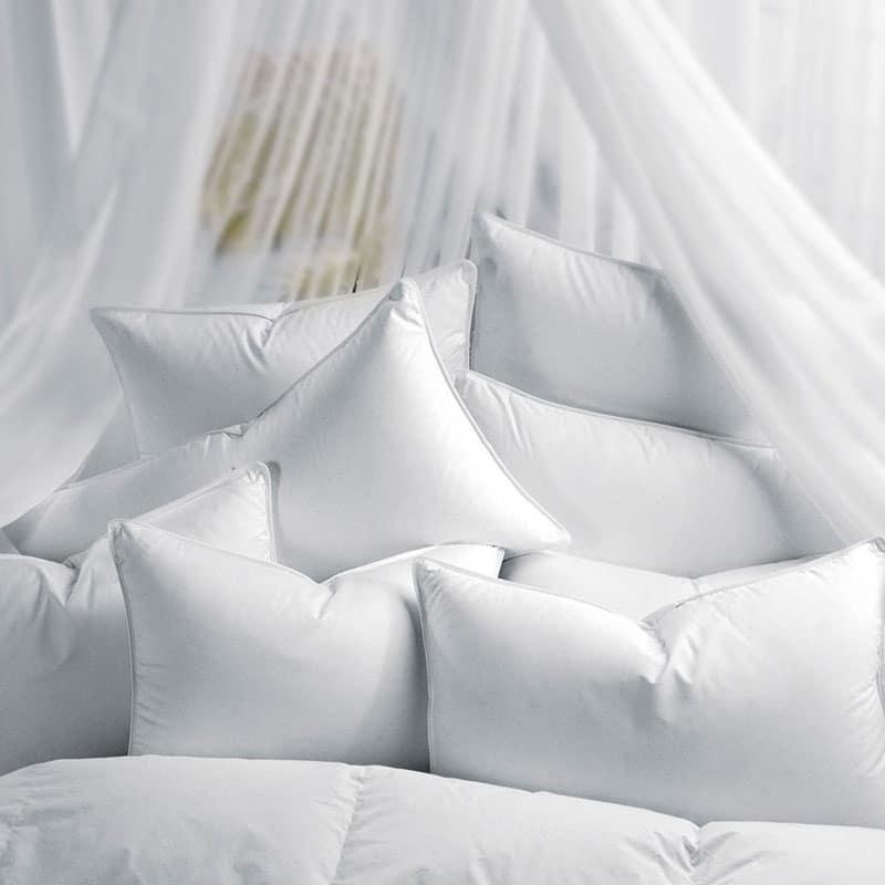 bed_pillows-Τα μαξιλάρια στο μικροσκόπιο: Γνωρίζετε που την κεφαλήν κλίναι;-naturanrg
