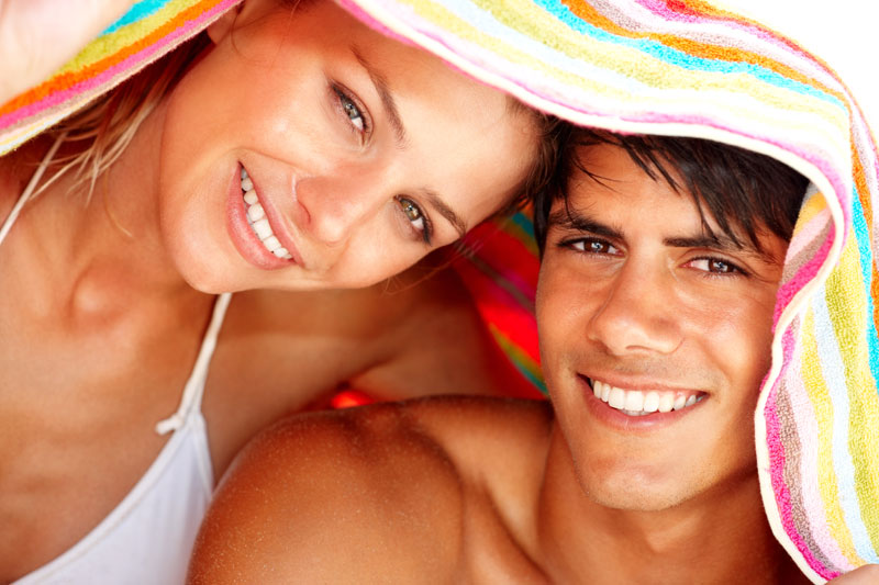 couple-summer-aktines uv-naturanrg
