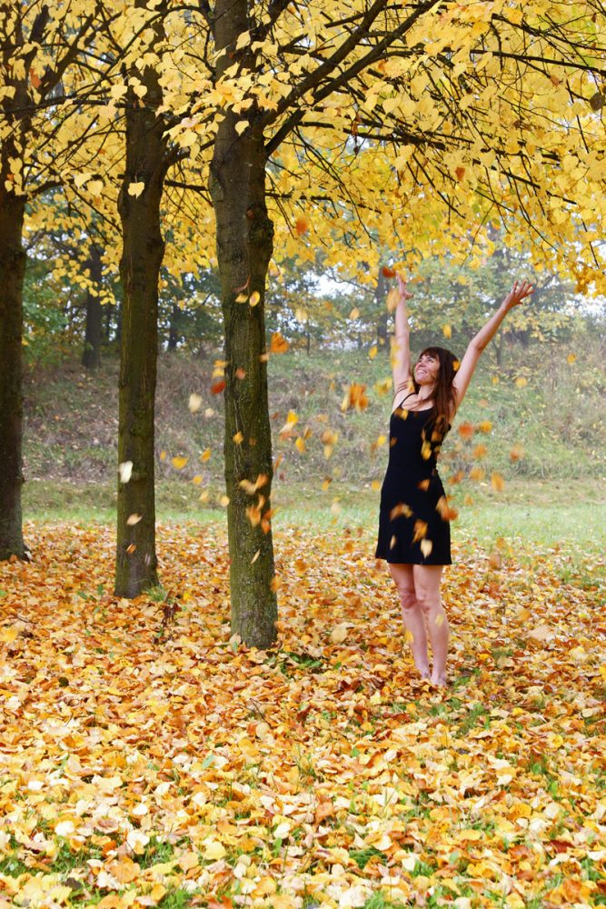 woman, fall, leaves, tree