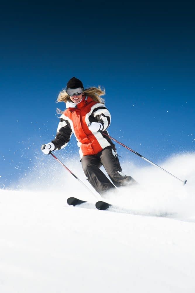 woman-ski Μαθήματα Χιονοδρομίας