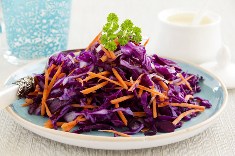 Red cabbage-salad