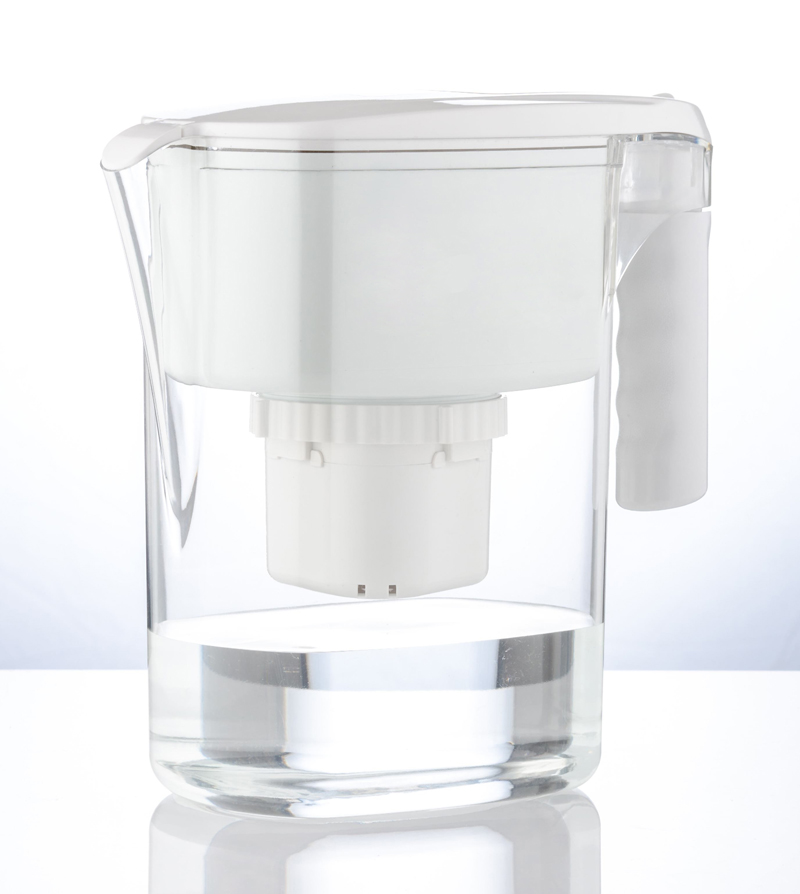 CF-Pitcher-Πόσο καθαρό είναι το νερό που πίνουμε;-naturanrg