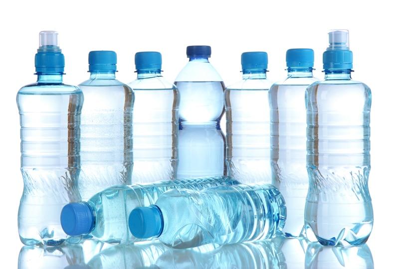 assorted-water-bottle-Πόσο καθαρό είναι το νερό που πίνουμε;-naturanrg