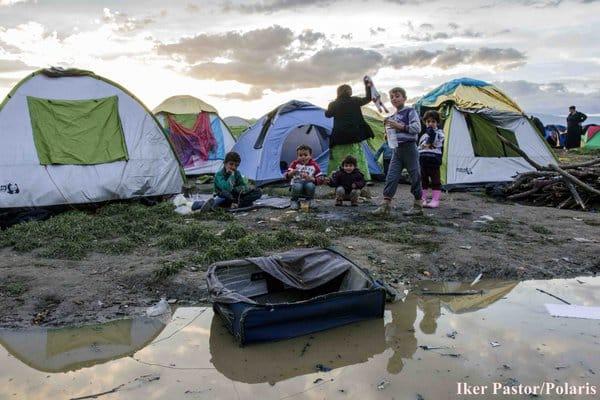 πρόσφυγες σε λασπες