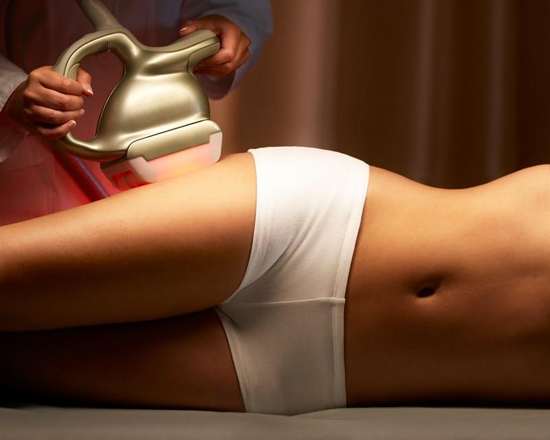cellulite-treatment1-Η κυτταρίτιδα εμφανίζεται κυρίως στις γυναίκες ανεξαρτήτως ηλικίας και βάρους. Κάνει την εμφάνισή της στην εφηβεία και αυτό τη συνδέει με τις ορμόνες του γεννητικού συστήματος.-naturanrg